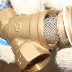 Особенности использования сетки из нержавейки в магистральных фильтрах для воды