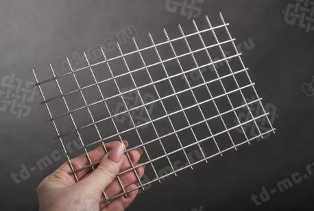 Сетка нержавеющая сварная 20х20х2 сталь 12Х18Н9 - фото 2